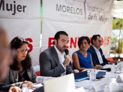 """<a href=""""/noticias/gobierno-de-morelos-tiene-firme-el-compromiso-de-apoyar-las-mujeres"""">Gobierno de Morelos tiene firme el compromiso de apoyar a las mujeres.</a>"""
