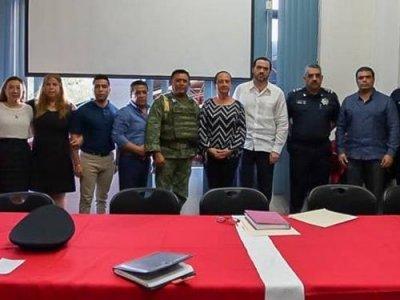 """<a href=""""/noticias/reitera-gobierno-de-morelos-coordinacion-para-garantizar-paz-social-en-mazatepec"""">REITERA GOBIERNO DE MORELOS COORDINACIÓN PARA GARANTIZAR PAZ SOCIAL EN MAZATEPEC</a>"""