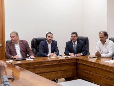 """<a href=""""/noticias/ialogan-gobierno-del-estado-y-transportistas-por-el-desarrollo-de-morelos"""">ialogan Gobierno del Estado y transportistas por el desarrollo de Morelos</a>"""