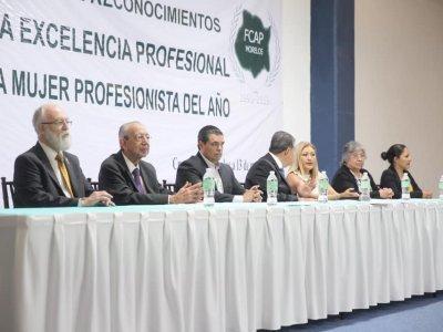 """<a href=""""/noticias/trabajo-coordinado-con-la-sociedad-para-impulsar-el-desarrollo-de-morelos-guizar-najera"""">Trabajo coordinado con la sociedad para impulsar el desarrollo de Morelos: Guízar Nájera</a>"""