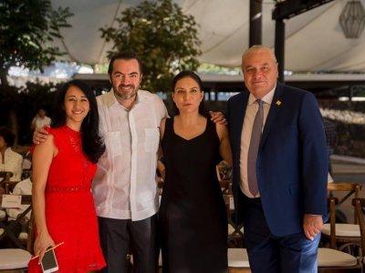 """<a href=""""/noticias/reitera-gobierno-de-morelos-respaldo-empresarios"""">Reitera Gobierno de Morelos respaldo a empresarios</a>"""