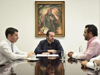 """<a href=""""/noticias/reitera-pablo-ojeda-al-alcalde-de-cuernavaca-disposicion-de-trabajar-coordinados-por-la"""">REITERA PABLO OJEDA AL ALCALDE DE CUERNAVACA DISPOSICIÓN DE TRABAJAR COORDINADOS POR LA SEGU...</a>"""