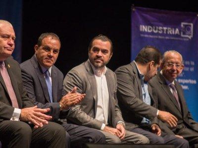 "<a href=""/noticias/inaugura-cuauhtemoc-blanco-foro-de-innovacion-industria-40"">Inaugura Cuauhtémoc Blanco Foro de Innovación ""Industria 4.0""</a>"