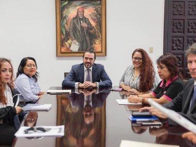 """<a href=""""/noticias/colabora-gobierno-de-morelos-con-ine-para-que-coatetelco-tenga-elecciones-municipales-en"""">COLABORA GOBIERNO DE MORELOS CON INE PARA QUE COATETELCO TENGA ELECCIONES MUNICIPALES EN 202...</a>"""