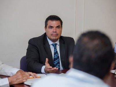 """<a href=""""/noticias/renuncia-subsecretario-de-gobierno-jose-de-jesus-guizar"""">Renuncia subsecretario de Gobierno, José de Jesús Guizar</a>"""