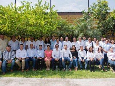 """<a href=""""/noticias/acuerdan-pablo-ojeda-y-alcalde-de-miacatlan-trabajo-coordinado-por-el-desarrollo-del"""">Acuerdan Pablo Ojeda y alcalde de Miacatlán trabajo coordinado por el desarrollo del municip...</a>"""