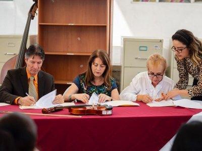 """<a href=""""/noticias/entrega-gobierno-estatal-muebles-e-instrumentos-para-centros-culturales-de-jiutepec"""">Entrega Gobierno Estatal muebles e instrumentos para Centros Culturales de Jiutepec</a>"""