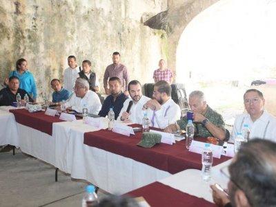 """<a href=""""/noticias/realizan-mesa-de-coordinacion-estatal-para-la-construccion-de-la-paz-en-coatlan-del-rio"""">Realizan Mesa de Coordinación Estatal para la Construcción de la Paz en Coatlán del Río</a>"""