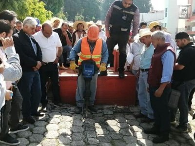 """<a href=""""/noticias/atiende-ceagua-ejidatarios-del-canal-tenango"""">ATIENDE CEAGUA A EJIDATARIOS DEL CANAL TENANGO</a>"""