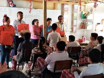 """<a href=""""/noticias/arranca-entrega-de-materiales-escolares-escuelas-afectadas-por-el-sismo-19s"""">Arranca entrega de materiales escolares a escuelas afectadas por el sismo 19S</a>"""