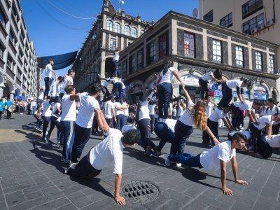 """<a href=""""/noticias/regresa-desfile-del-20-de-noviembre-al-centro-de-cuernavaca"""">Regresa desfile del 20 de noviembre al Centro de Cuernavaca</a>"""