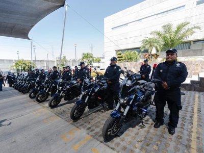 """<a href=""""/noticias/otorga-cuauhtemoc-blanco-patrullas-cuautla-ayala-yautepec-jiutepec-y-temixco"""">Otorga Cuauhtémoc Blanco patrullas a Cuautla, Ayala, Yautepec, Jiutepec y Temixco</a>"""