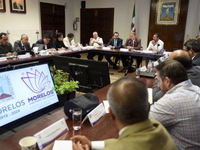 """<a href=""""/noticias/revisa-gabinete-temas-prioritarios-para-morelos"""">Revisa gabinete temas prioritarios para Morelos</a>"""