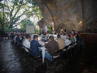 """<a href=""""/noticias/realizan-mesa-de-coordinacion-estatal-para-la-construccion-de-la-paz-en-temixco"""">REALIZAN MESA DE COORDINACIÓN ESTATAL PARA LA CONSTRUCCIÓN DE LA PAZ EN TEMIXCO</a>"""