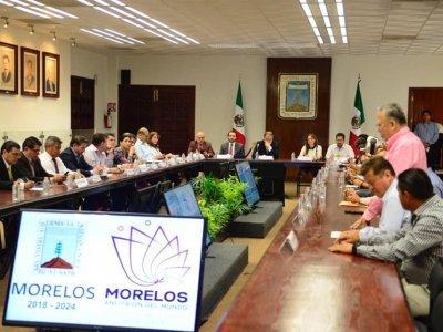 """<a href=""""/noticias/coordinan-esfuerzos-integrantes-del-gabinete-y-alcaldes"""">COORDINAN ESFUERZOS INTEGRANTES DEL GABINETE Y ALCALDES</a>"""